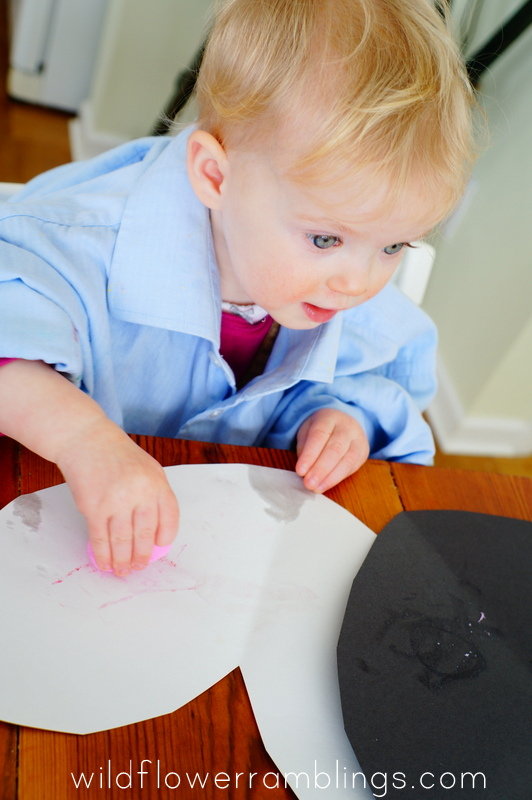 Valentine's Day Heart Crayons {baby-safe and edible recipe!} from Wildflower Ramblings