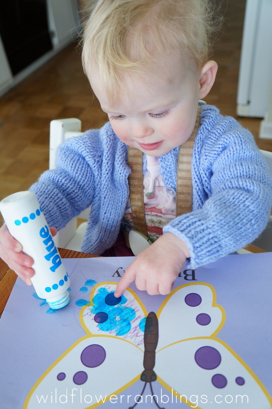 do a dots - 21 Activities for One Year Olds - Baby Play - Wildflower Ramblings