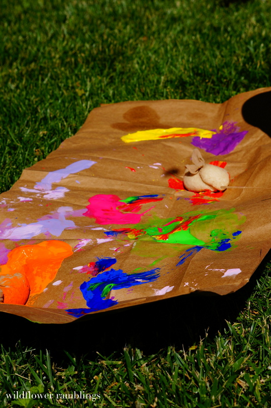 Messy Paint Bombs {and a lesson in parenting and knowing my child} - Wildflower Ramblings #sensory #painting